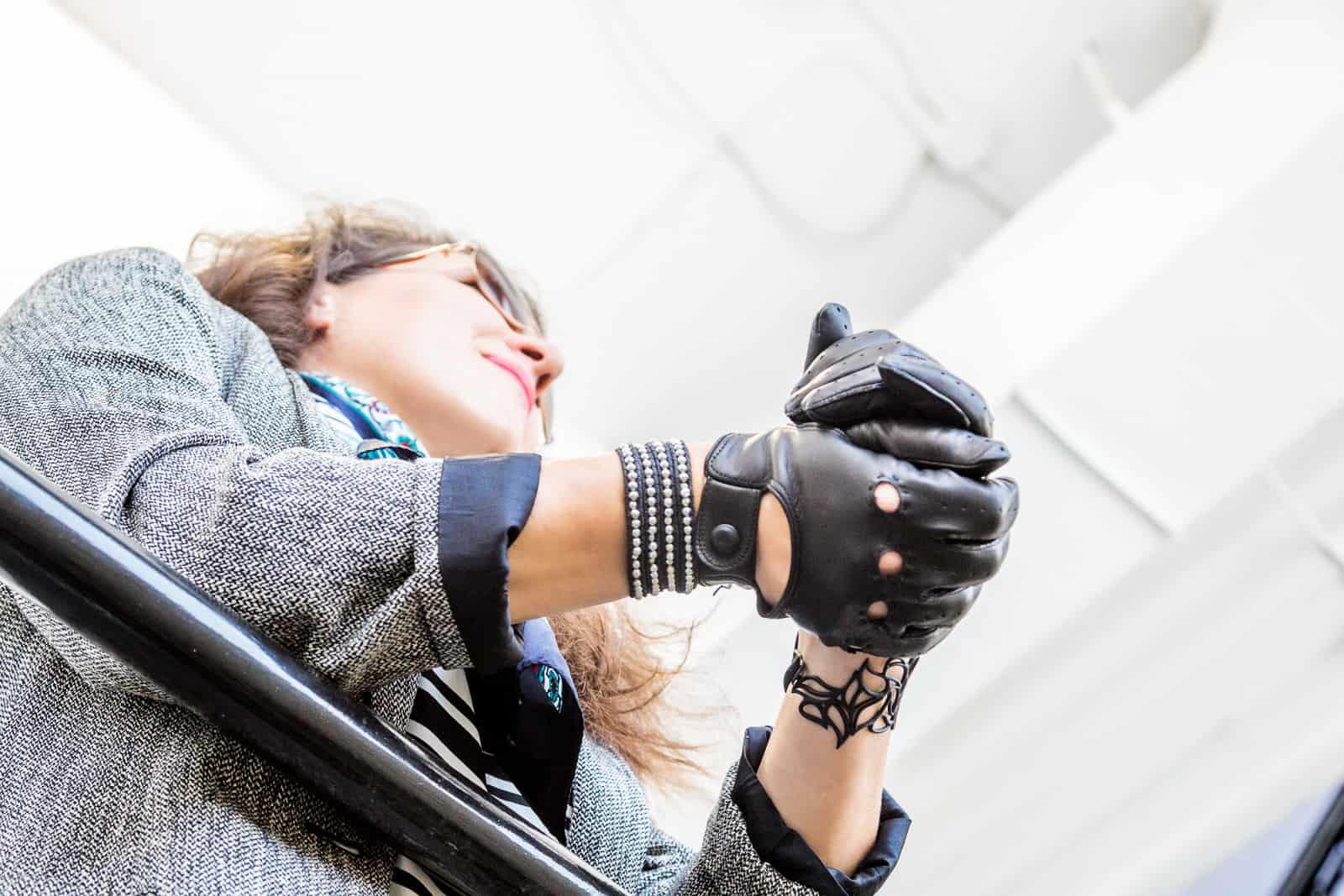beau-gant-driving-gloves-women-black-fashion