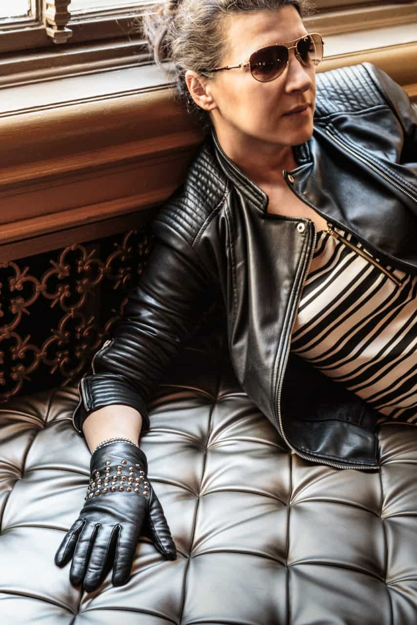 beau-gant-gloves-metal-studs-black-fashion3