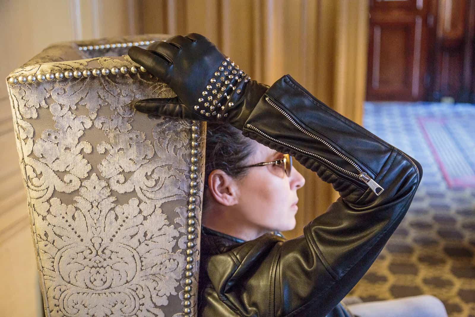 beau-gant-gloves-metal-studs-black-fashion4