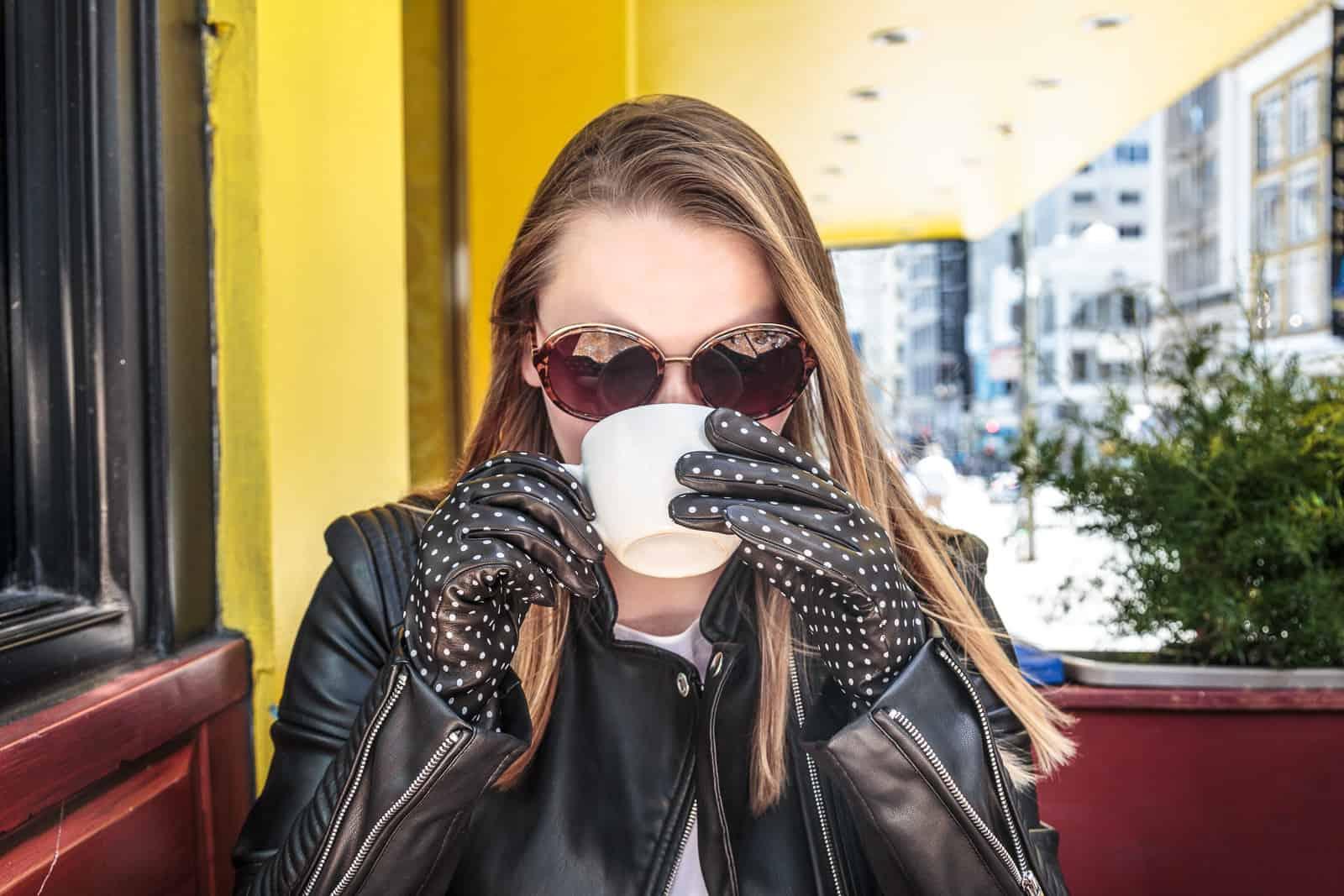 beau-gant-gloves-polka-dot-gloves-black-white-fashion